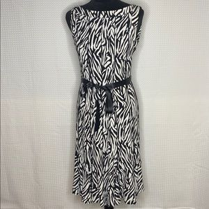 Sandra Darren Printed Fit & Flare Dress Size 6 EUC